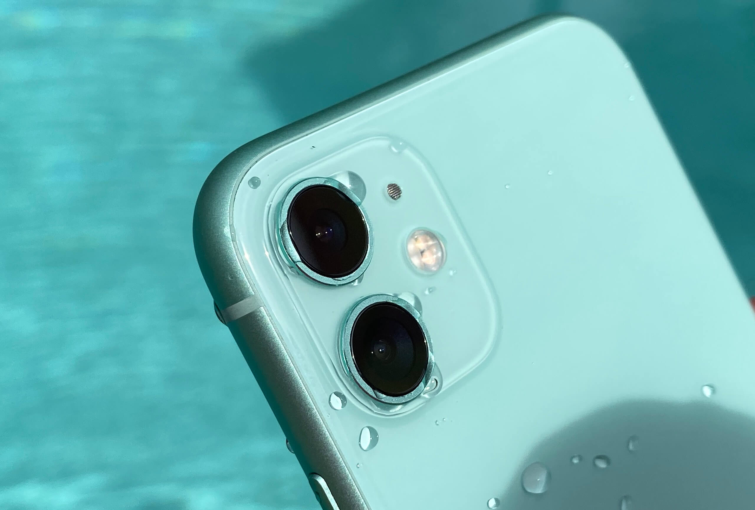 iPhone 11 Water